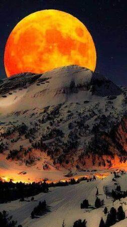 Луна в Тибете